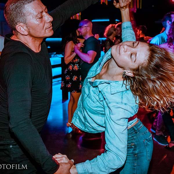 bailar Melphotofilm fotografo sensualcala
